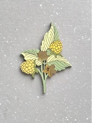 Брошь Ежевика-Малинка с желтыми ягодками
