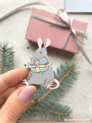 Брошь Крысеныш серый с розовым с подарочком