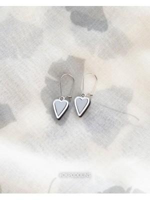 "Сережки сердечки из серии ""Преданное Сердце"""