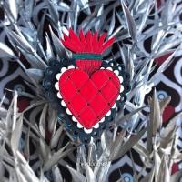 Брошь Огненное сердце кружевное