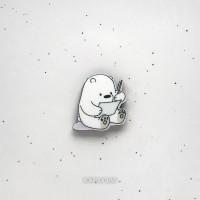 Брошь Белый мишка пишет письмо