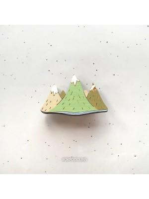 Брошь Горы с блестящей верхушкой