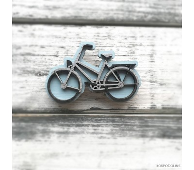 Брошь Велосипед в пыльно-голубом цвете