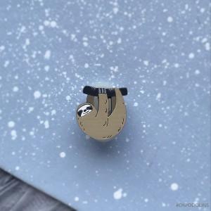 Миниброшь Ленивец маленький бежевый