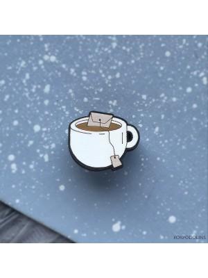 Маленькая брошь Чашка с пакетиком чая