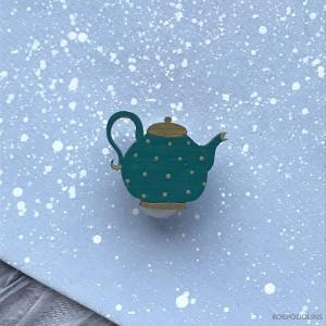 Брошь Чайник изумрудного цвета