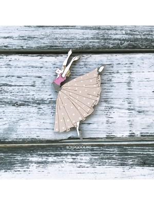 Брошь Балерина в длинной юбке